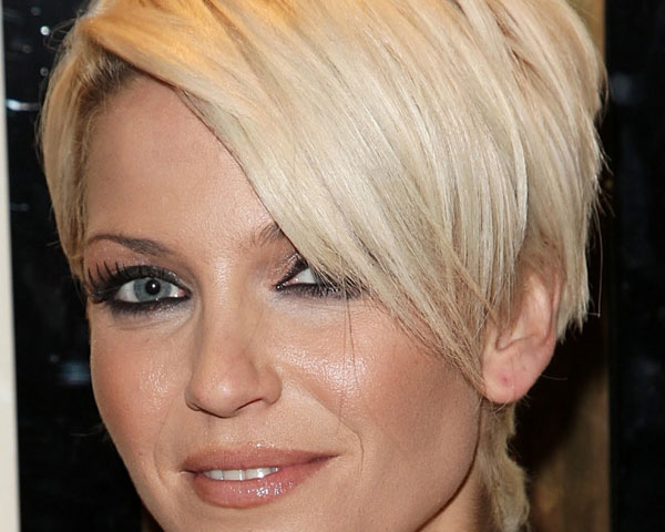 sarah-harding-short-sleek