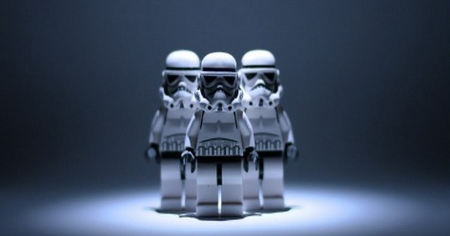 star_wars_lego_stormtrooper-t2